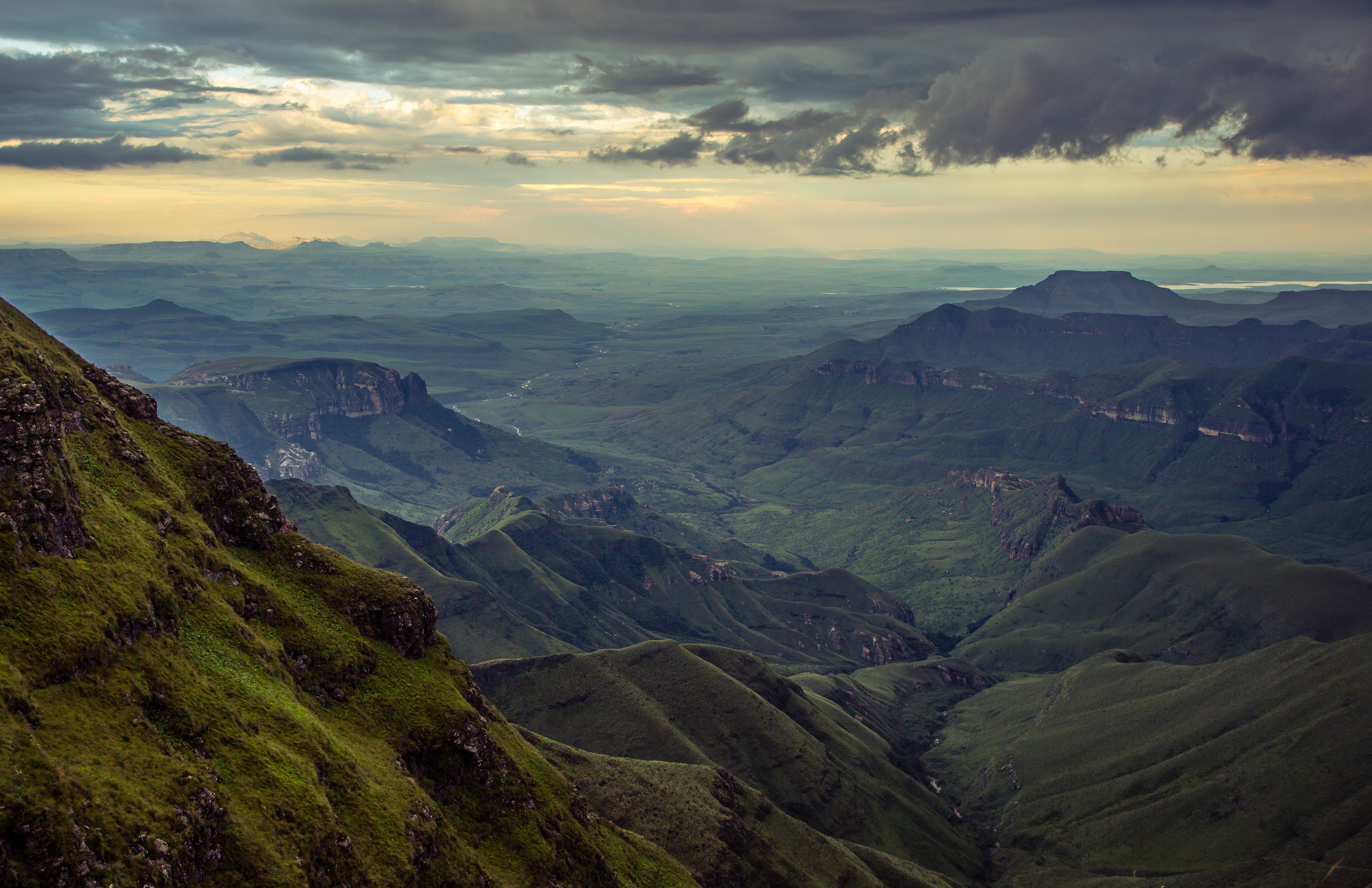The Drakensberg foothills | South Africa